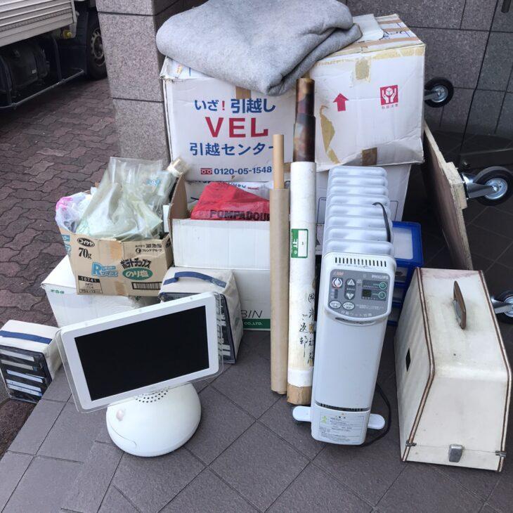 パソコンやミシンなど片付けをしてもらいました。