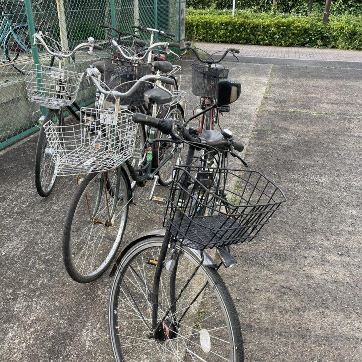 自転車を片付けてもらいました。