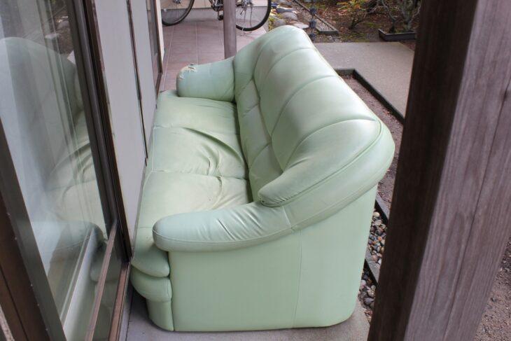 ソファーが捨てられずに困っていました。