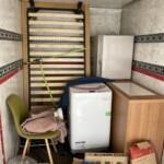 冷蔵庫、炊飯器、レンジボード、照明器具の買取、ベッド、机などの片付け作業を行いました。