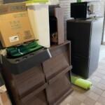 小金井市にて冷蔵庫、マガジンラック、レンジなどの片付け作業を行いました。